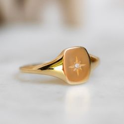 Gold Star Signet Ring